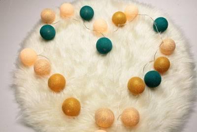 Karácsonyi fénydekoráció – gömblámpa szettek a legszebb ünnepi színekben